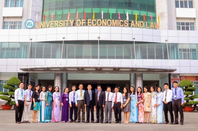 Đồng phục đại học Kinh Tế Luật UEL TPHCM